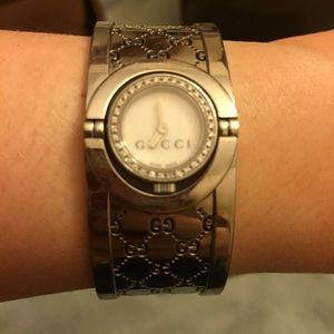 Gucci Accessories - 💯% Auth Gucci Twirl Small Diamonds Womens Watch